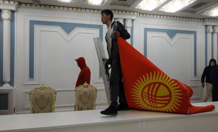 Молниеносный переворот в Киргизии: это была самая быстрая цветная революция в истории