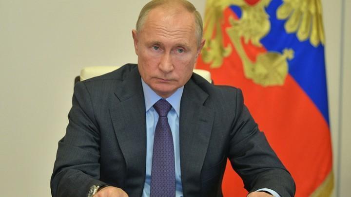 Путин рассказал, как Россия чуть не повторила судьбу Украины: «Или будем сильными, или никакими»