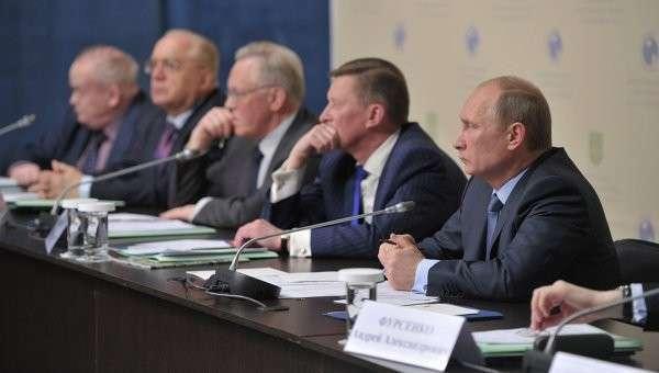 Путин проведет в Петербурге заседание совета по науке