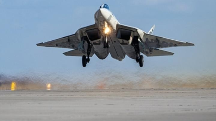 Последний намёк русских: трёхсекундное видео полёта Су-57 озадачило американцев