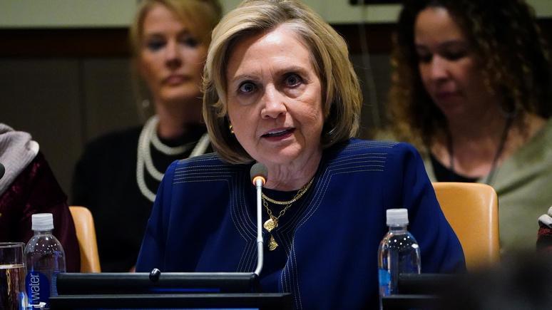 WT узнала о секретной записке ЦРУ – о плане Клинтон «повесить» вмешательство России на Трампа