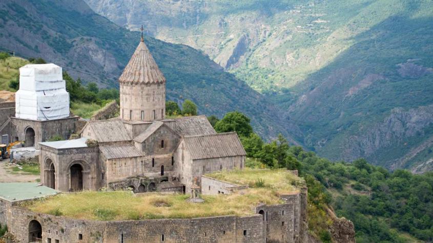 История Карабаха: армяне против турок, иранцев и азербайджанцев, а потом пришли русские