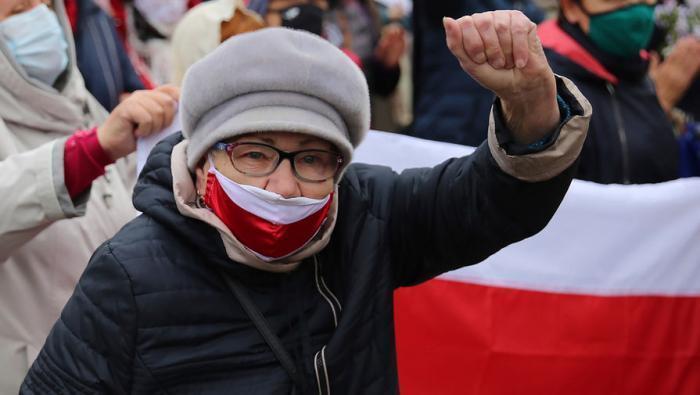 Белоруссия сегодня: избиение «онижедедов» и ультиматум Тихановской – все это звенья одной цепи