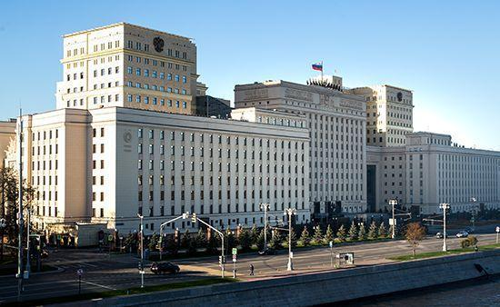 Минобороны России одернуло США: не толкайте Киев к войне на Донбассе