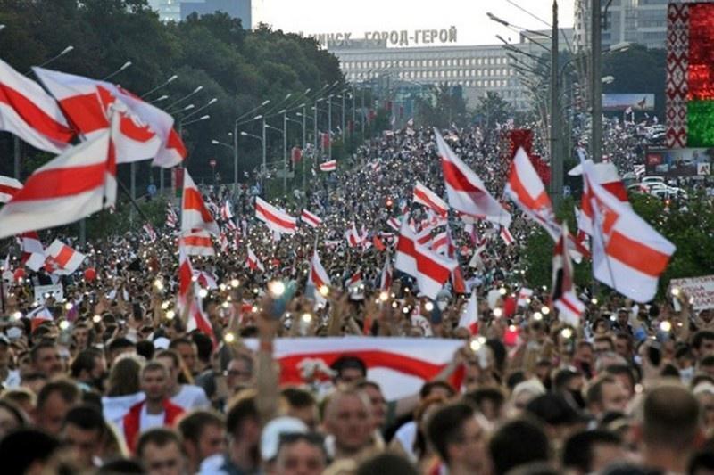 Первую стадию белорусского майдана выиграл Лукашенко. Запад переходит ко второй