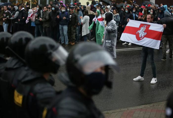 Протесты в Белоруссии 18 октября: если хочешь подавить майдан, покажи его настоящее лицо