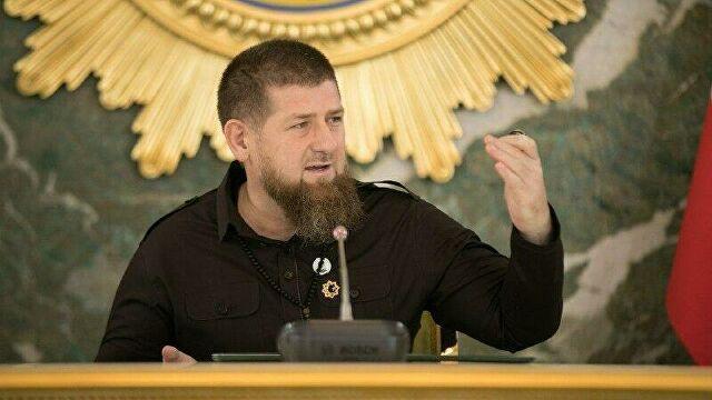 Чеченский фанатик убил учителя, а Европа убивает себя сама