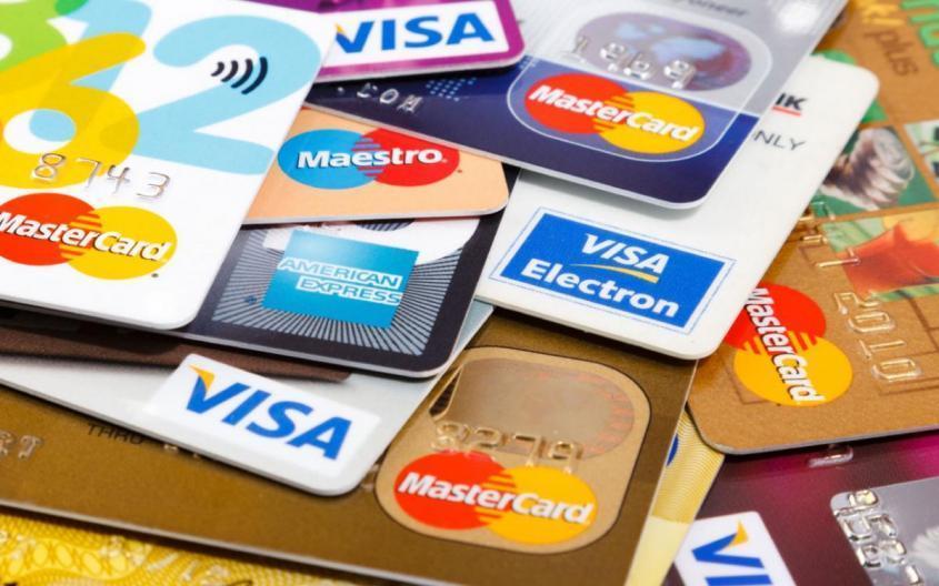 Европа хочет освободиться от электронного контроля Visa и MasterCard