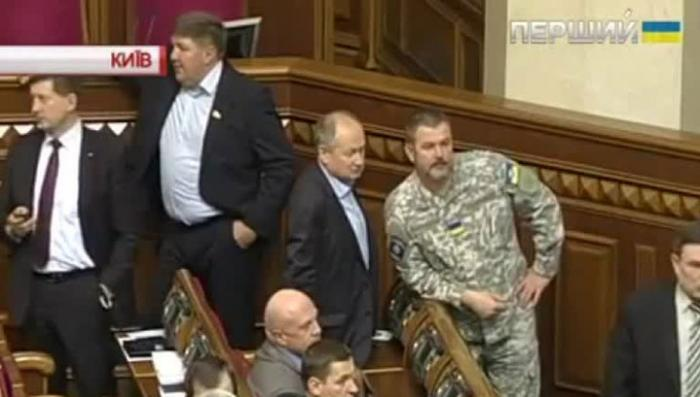 Депутаты Рады шикуют. Это обходится казне в миллион гривен ежемесячно
