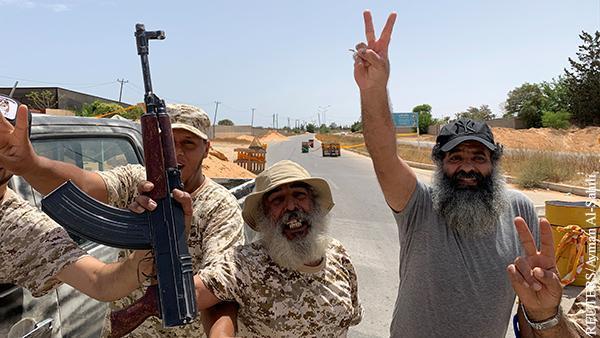 Окончание гражданской войны в Ливии сулит России финансовые и военные выгоды