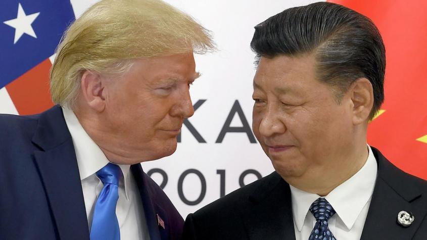 Президент США Дональд Трамп и председатель КНР Си Цзиньпин в ходе встречи на саммите G20 в Осаке. 29 июня 2019 – РИА Новости, 1920, 26.10.2020