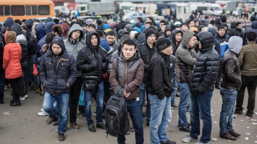 Москвичка обнаружила в своей квартире мигрантов: «управдом поселил...»