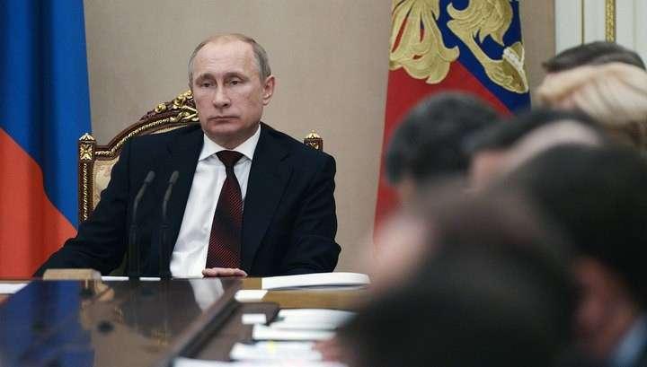 Владимир Путин потребовал от госкомпаний-заказчиков отдавать приоритет российским фирмам