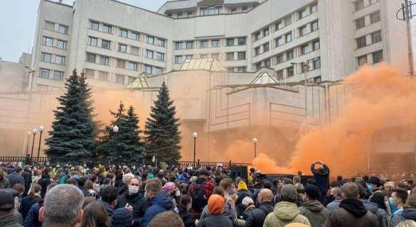 На Украине начался новый майдан: геть свиней! | Русская весна