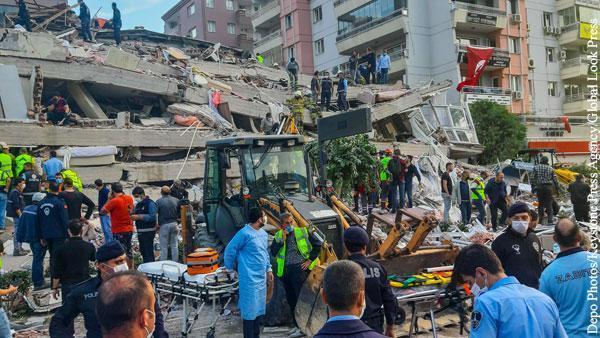 После землетрясения в Турции магнитудой 6,6 балла зафиксировано более 20 афтершоков