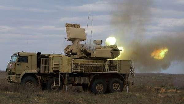 Работа пушечного модуля зенитно-ракетного комплекса Панцирь-С, архивное фото