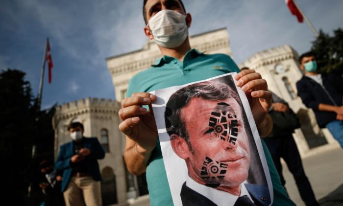 Почему во Франции начались «религиозные войны» и причем тут президентские выборы