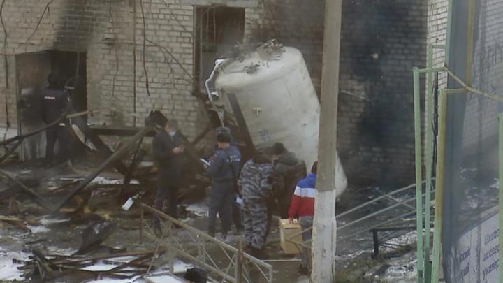 Взрыв в ковидном центре Челябинска: больных выносили на руках