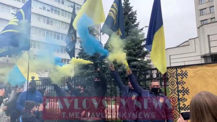 Судья КС Украины заявил, что Зеленский уже наговорил себе на 150 лет тюрьмы