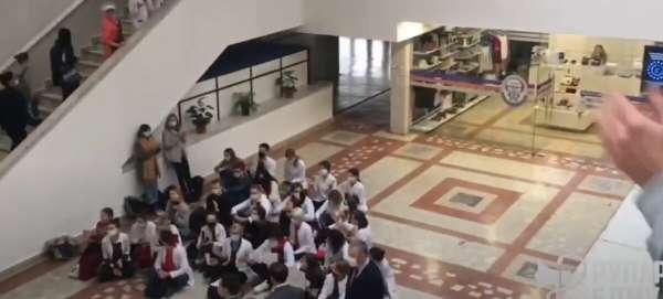 Белорусские студенты в шоке – их отчислили: «Простите нас, мы больше не будем»