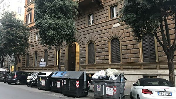 Мусорные баки на улицах Рима