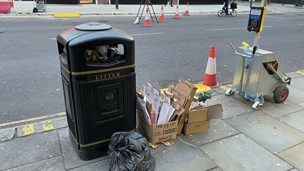 Мусор на улице Лондона