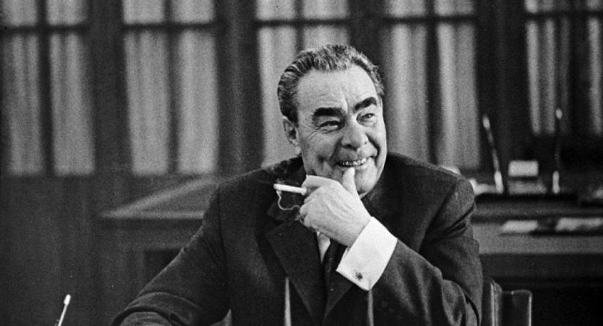 Как лживую победу престарелого Джо Байдена оправдывают те, кто смеялся над Брежневым