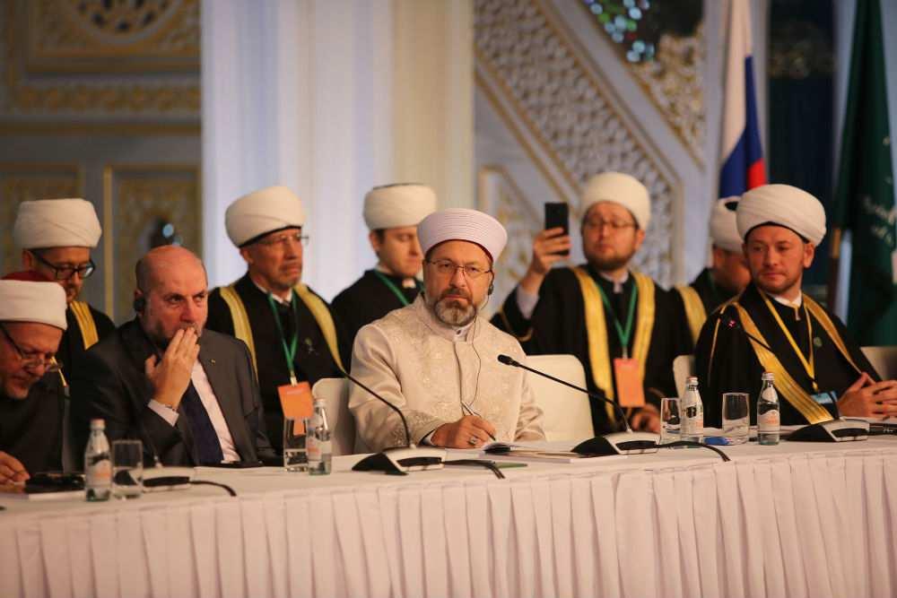 В России муфтии запретили мусульманам жениться на иноверках. В РПЦ – поддержали, а русофобы – против