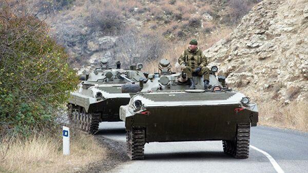 Боевые машины пехоты российских миротворцев в Нагорном Карабахе