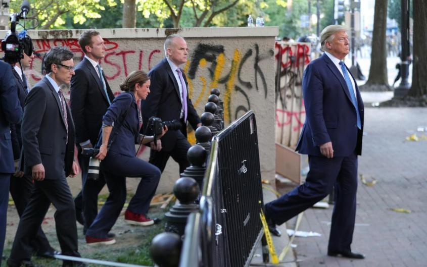 Трамп собрал в Белом доме экстренное совещание своей команды юристов. Решительный бой?