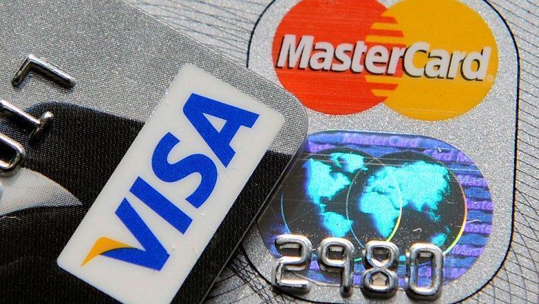 Банки меняют условия расчётов по кредитным картам. Чем это грозит клиентам