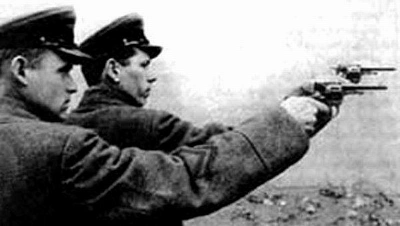 Почему поколение 90-х поверило в ложь русофобов про «сталинские репрессии»