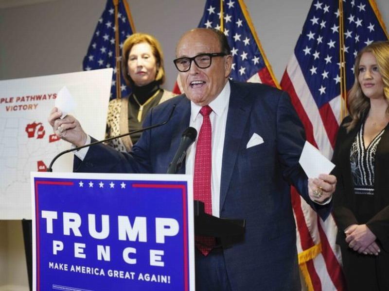 Пресс-конференция команды юристов Трампа по фальсификациям выборов в США