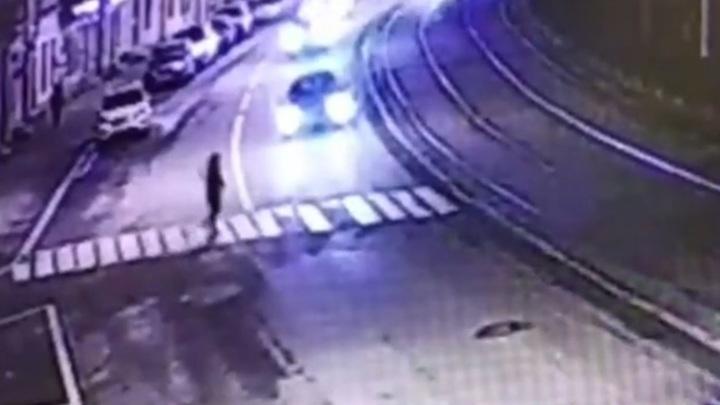 В Петербурге машина Генконсульства Литвы сбила женщину на пешеходном переходе