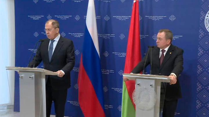 Лавров: Запад использует в Белоруссии грязные методы цветных революций