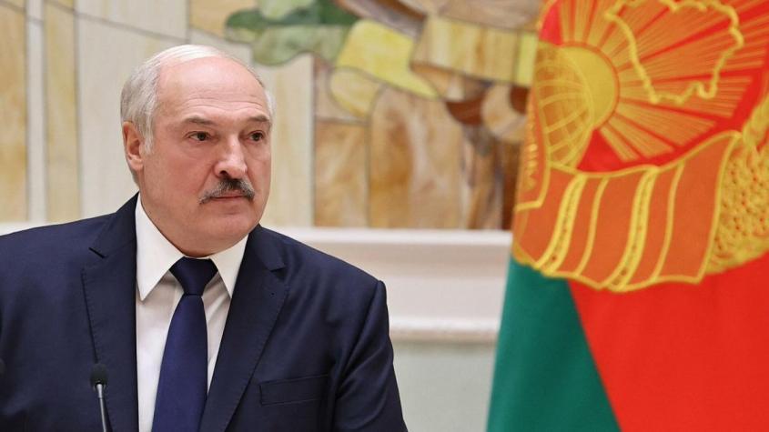 Лукашенко заявил, что не будет президентом после изменения конституции