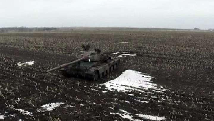 На Украине ополченцы и силовики приступили к отводу тяжёлого вооружения