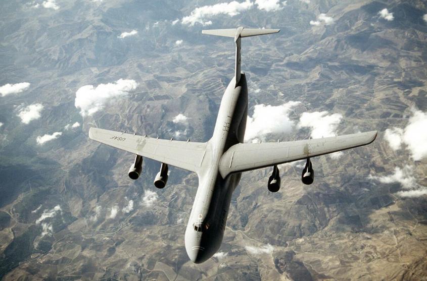 «Караул! Мы теряем технику!» Что случилось с боевой авиацией США