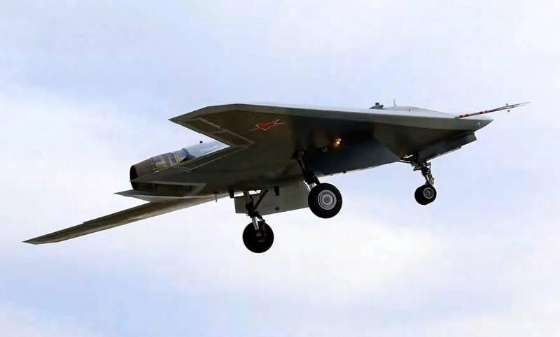 Что за ракеты нёс спутник Су-57 тяжелый БПЛА «Охотник» на испытаниях?