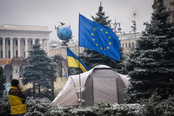 Брюссель не спешит латать 15-миллиардную дыру в бюджете Украины
