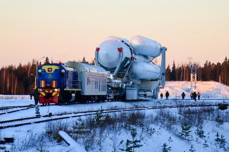 На сегодня план такой – должны состояться три пуска «Ангары А5» в рамках опытно-конструкторских работ с космодрома Плесецк и три – с космодрома Восточный