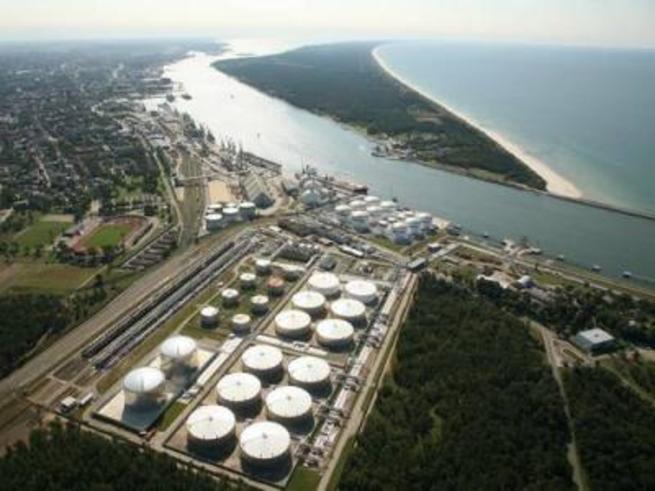 Лукашенко приостанавливает экспорт белорусских нефтепродуктов через Литву