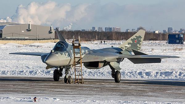 ВКС России получили на вооружение истребитель превосходящий F-35