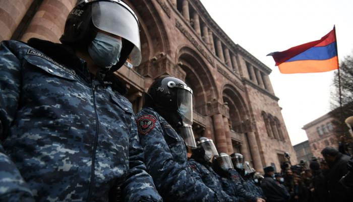 Кризис в Армении: почему Пашинян предлагает провести досрочные парламентские выборы в 2021 году?