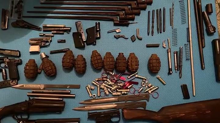 ФСБ пресекла деятельность целой сети нелегальных оружейных мастерских