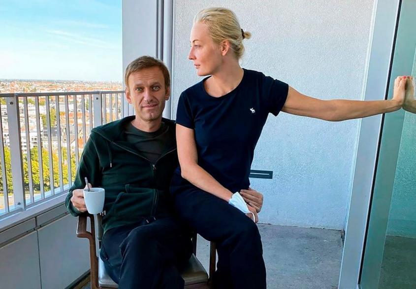 Навальный отравлен не Новичком? Неожиданные выводы клиники Шарите