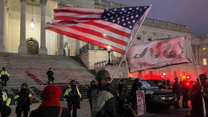 Беспорядки в США: Захват Капитолия – или как «демократы» загнали Трампа в угол