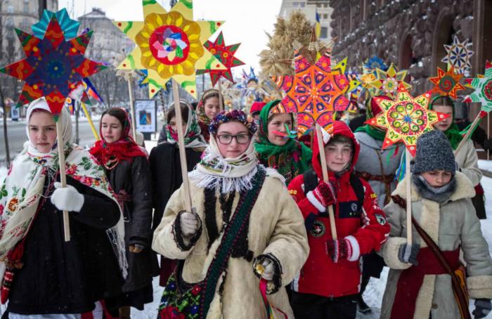 Рождество Христово – 7 января или 25 декабря? Почему украинцев ломают через колено?