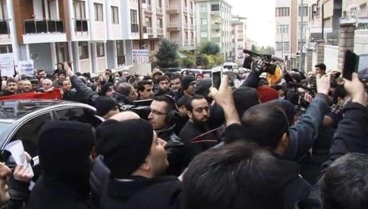 Главреда влиятельной газеты арестовали за покушение на суверенитет Турции