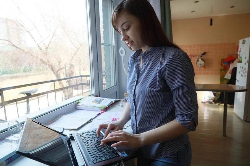 В России вступил в силу закон об удалённой работе. На что все сотрудники имеют право?